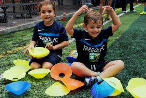 Niños felices en TREBOL FC